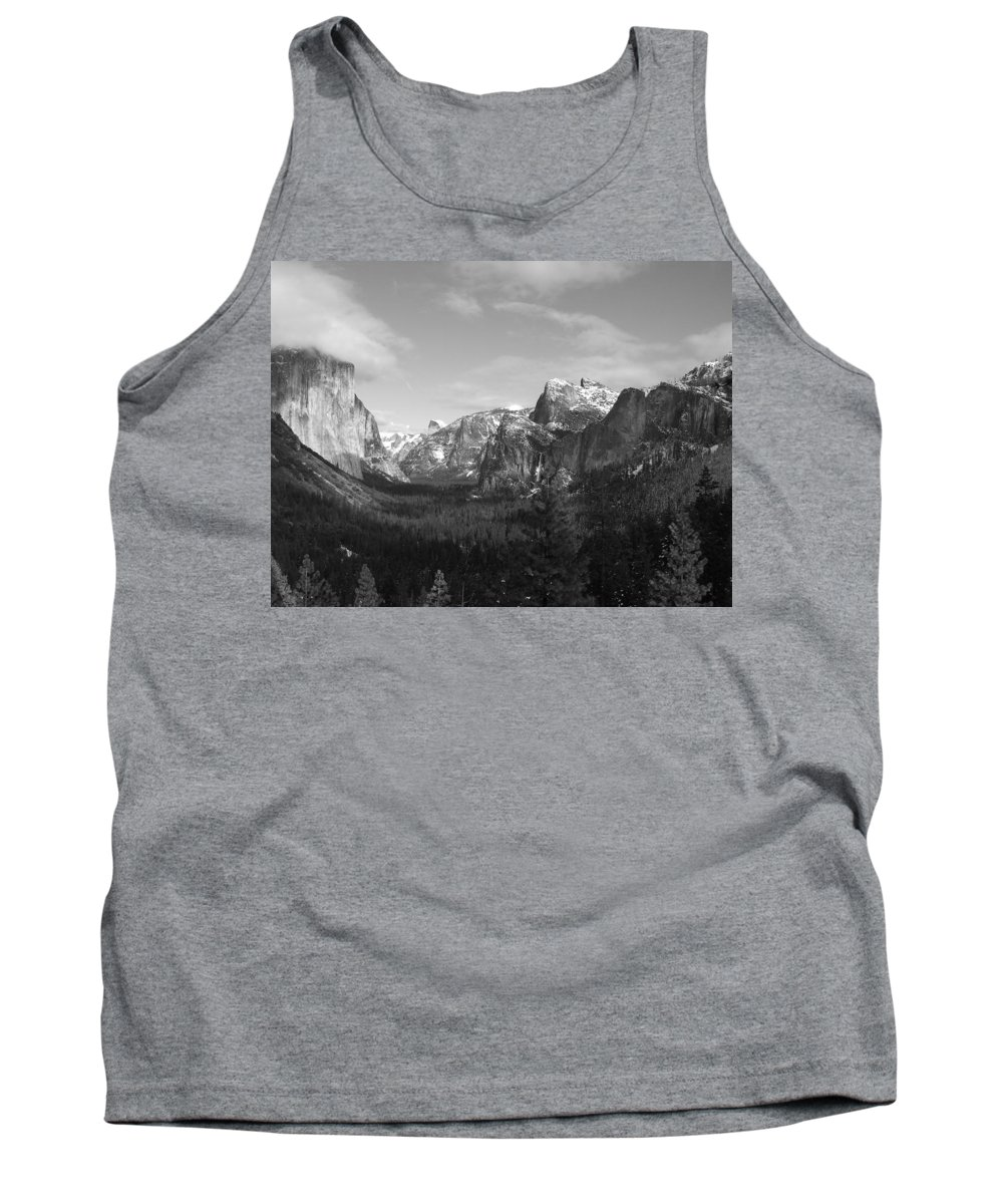 Yosemite Tank Top featuring the photograph Inspiration Point by Travis Day