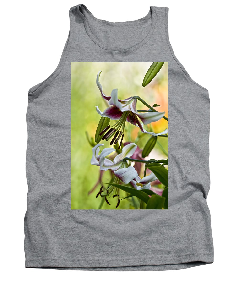 Gardens Tank Top featuring the photograph Leslie Woodriffe Lily by Michael Cummings