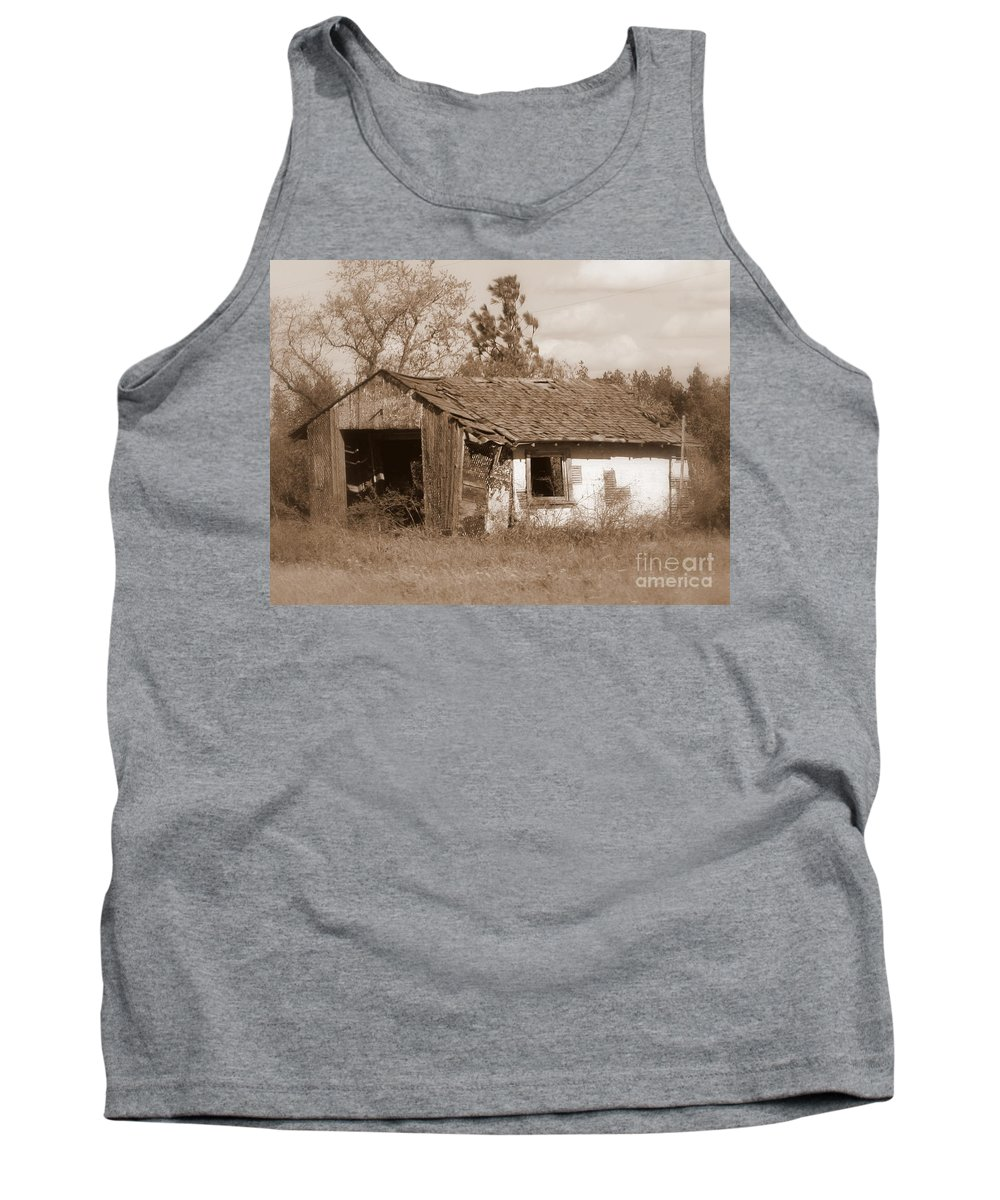 Old Shack Tank Top featuring the photograph Needs Paint - Soft Focus by Carol Groenen