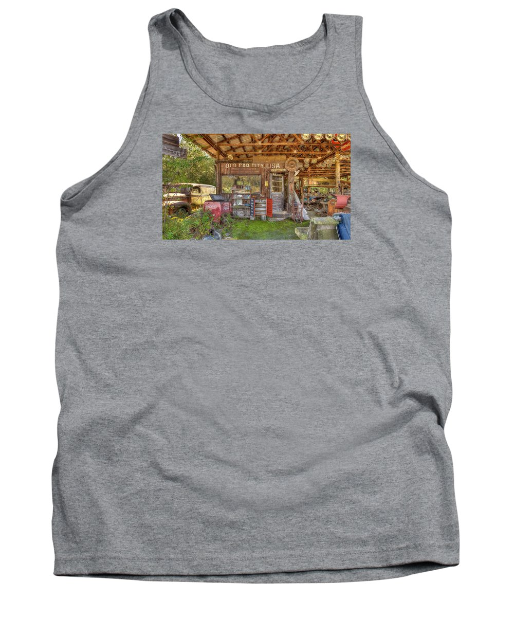 Old Car City In White Georgia. Famous For Its 4500+ Cars Scattered Around Multiple Acres With 6 Miles Of Trails On Which To Walk And Photograph These Wonderful Old Cars. Tank Top featuring the photograph Old Car City Usa by Mark Reinnoldt