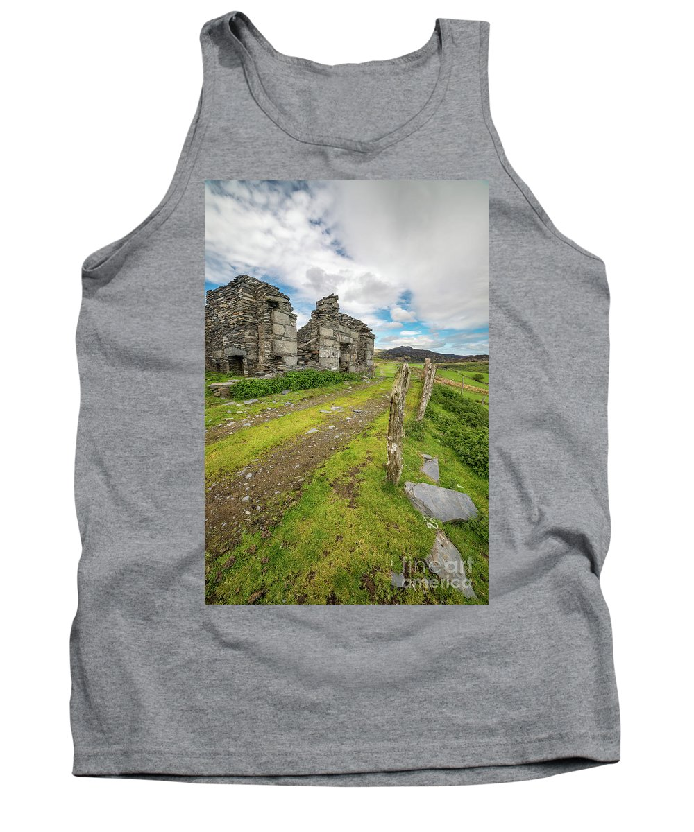 Cottages Tank Top featuring the photograph Quarry Cottage by Adrian Evans