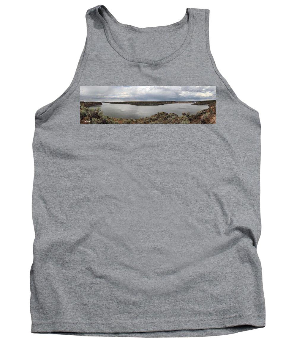 Landscape Tank Top featuring the photograph Salmon Falls Creek Reservoir by David Salter