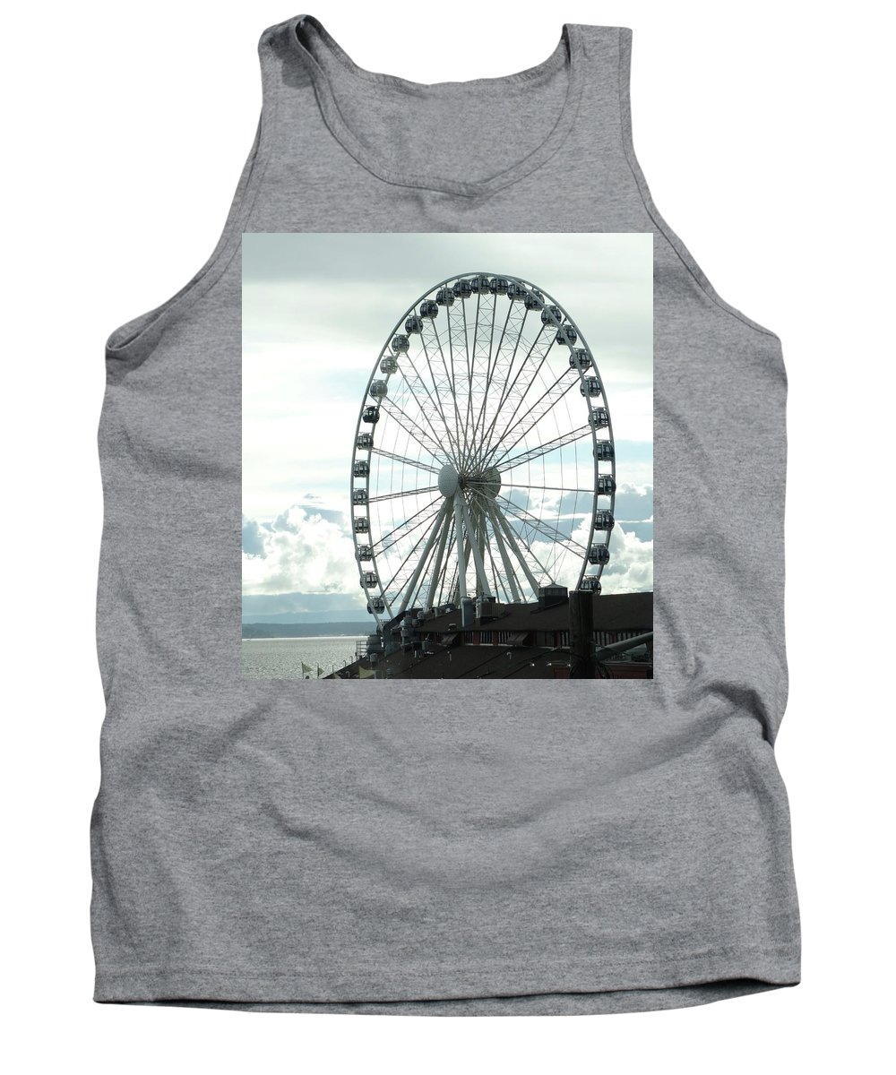 Seattle Great Wheel Tank Top featuring the photograph Seattle Great Wheel by Dan Sproul