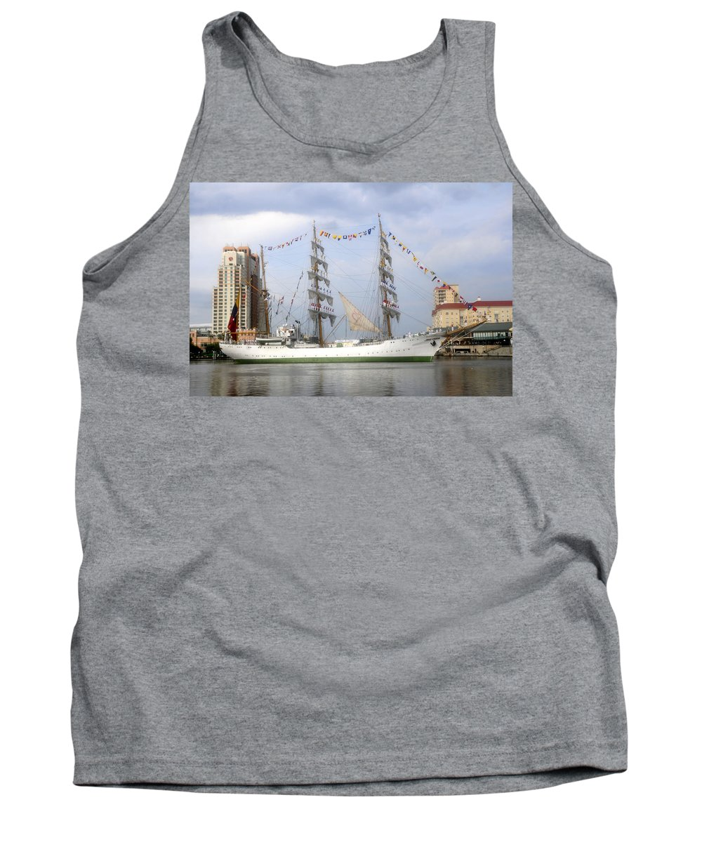 Tampa Bay Florida Tank Top featuring the photograph Tall Ship In Tampa Bay by David Lee Thompson