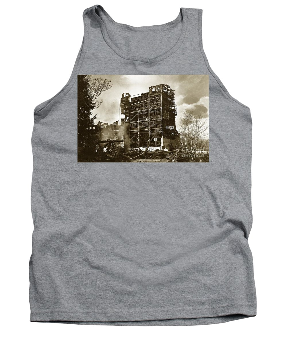 Dorrance Tank Top featuring the photograph The Dorrance Breaker Wilkes Barre Pa 1983 by Arthur Miller