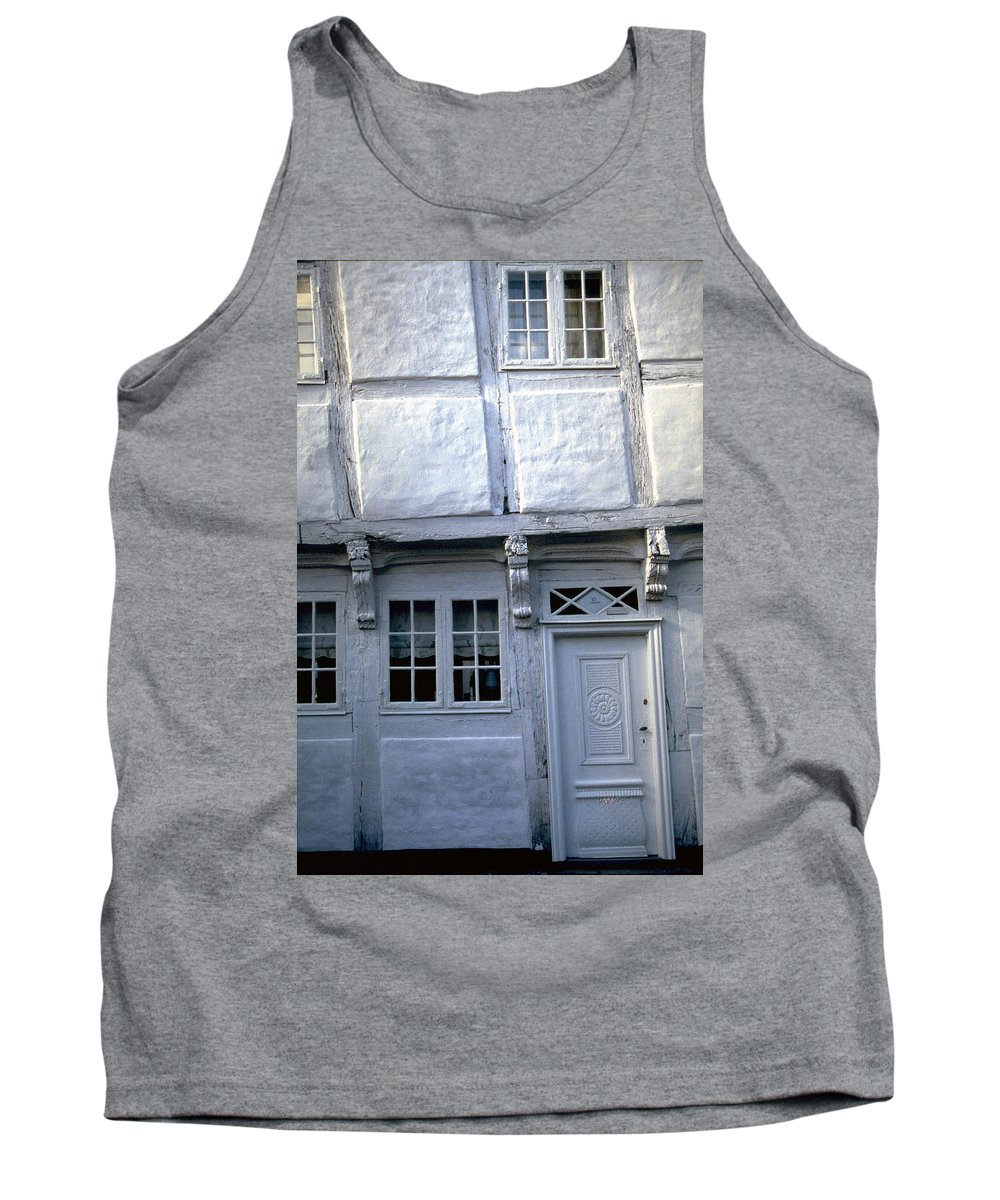 White House Tank Top featuring the photograph White House by Flavia Westerwelle