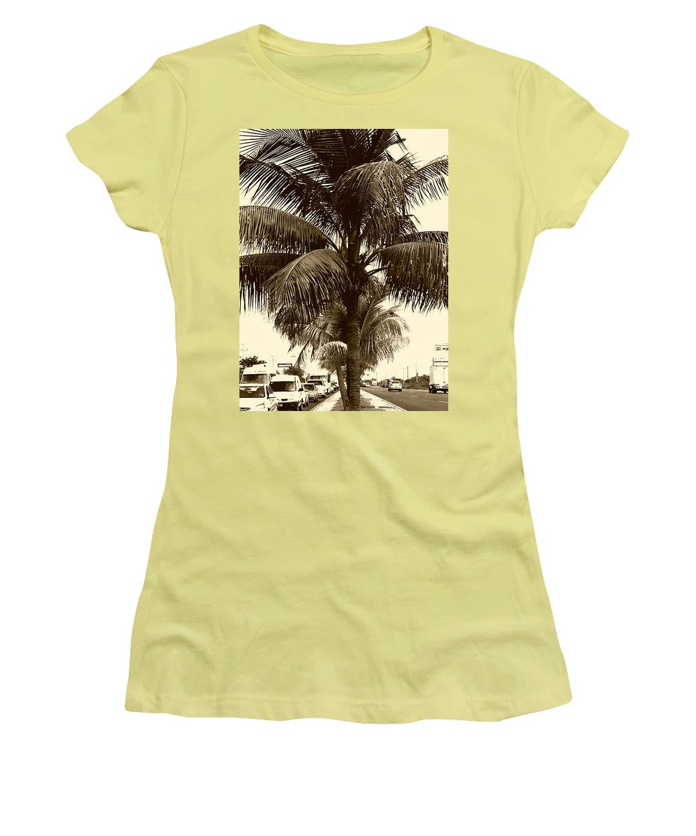 Rush Hour In Cancun Women 39 S T Shirt For Sale By Geoff