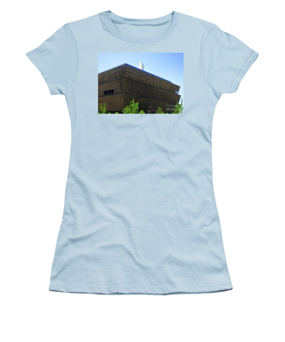 Smithsonian Museum Junior T-Shirts