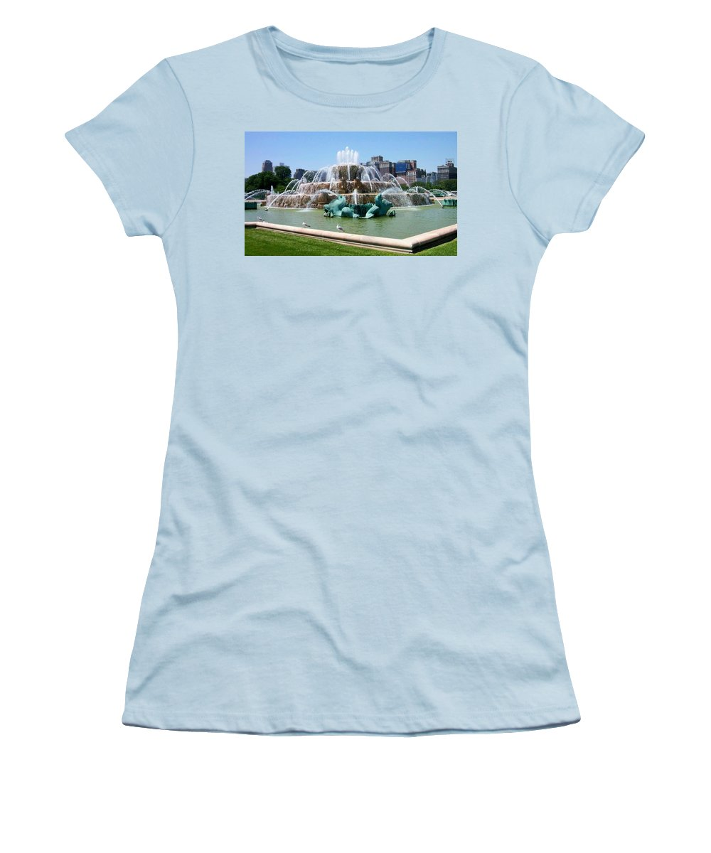 Chicago Women's T-Shirt (Athletic Fit) featuring the photograph Buckingham Fountain by Anita Burgermeister