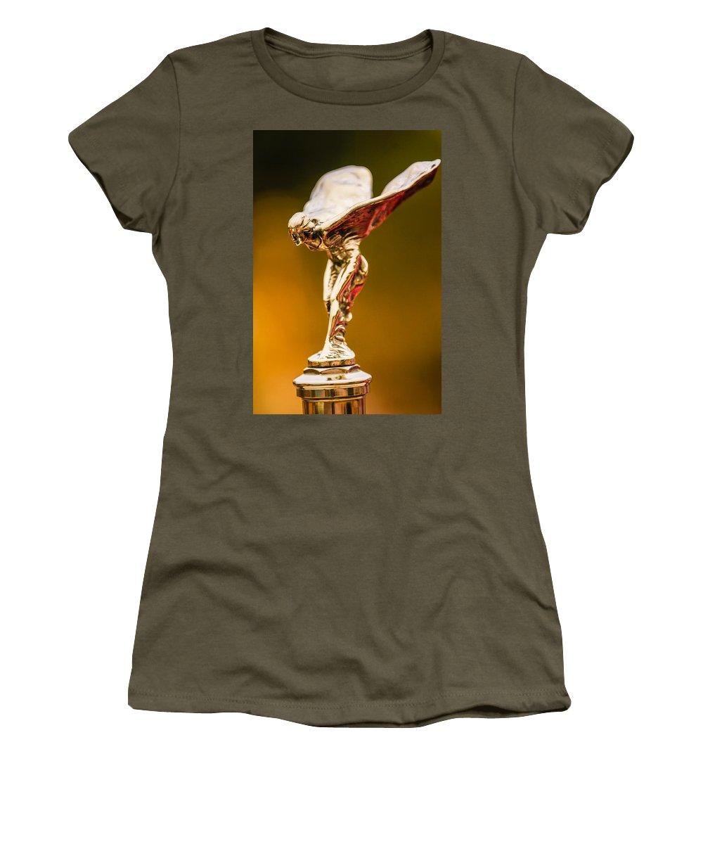1928 Rolls-royce Phantom I Sedenca De Ville Hood Ornament Women's T-Shirt featuring the photograph 1928 Rolls-royce Phantom I Sedenca De Ville Hood Ornament by Jill Reger