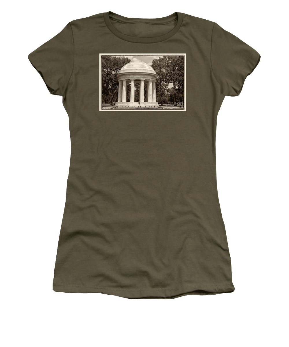 District Of Columbia War Memorial Women's T-Shirt featuring the digital art District Of Columbia War Memorial by Carol Ailles