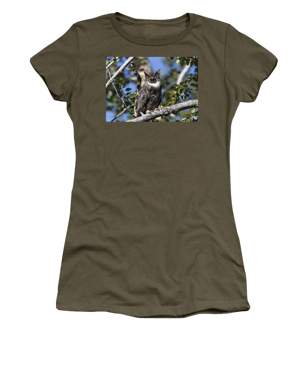 Doug Lloyd Women's T-Shirt (Athletic Fit) featuring the photograph Eye Contact by Doug Lloyd