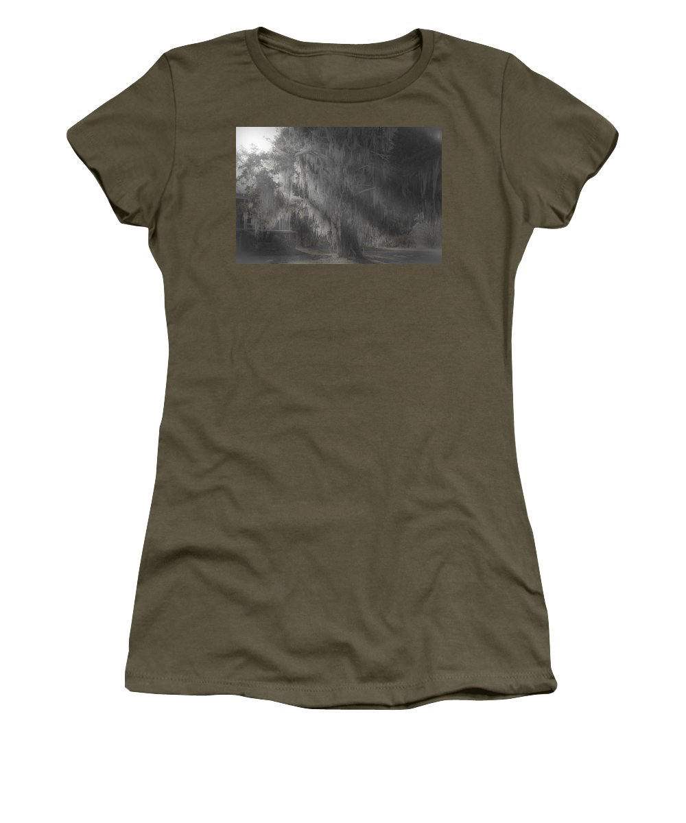 Moss Covered Trees Women's T-Shirt featuring the photograph Abandoned by Kim Henderson