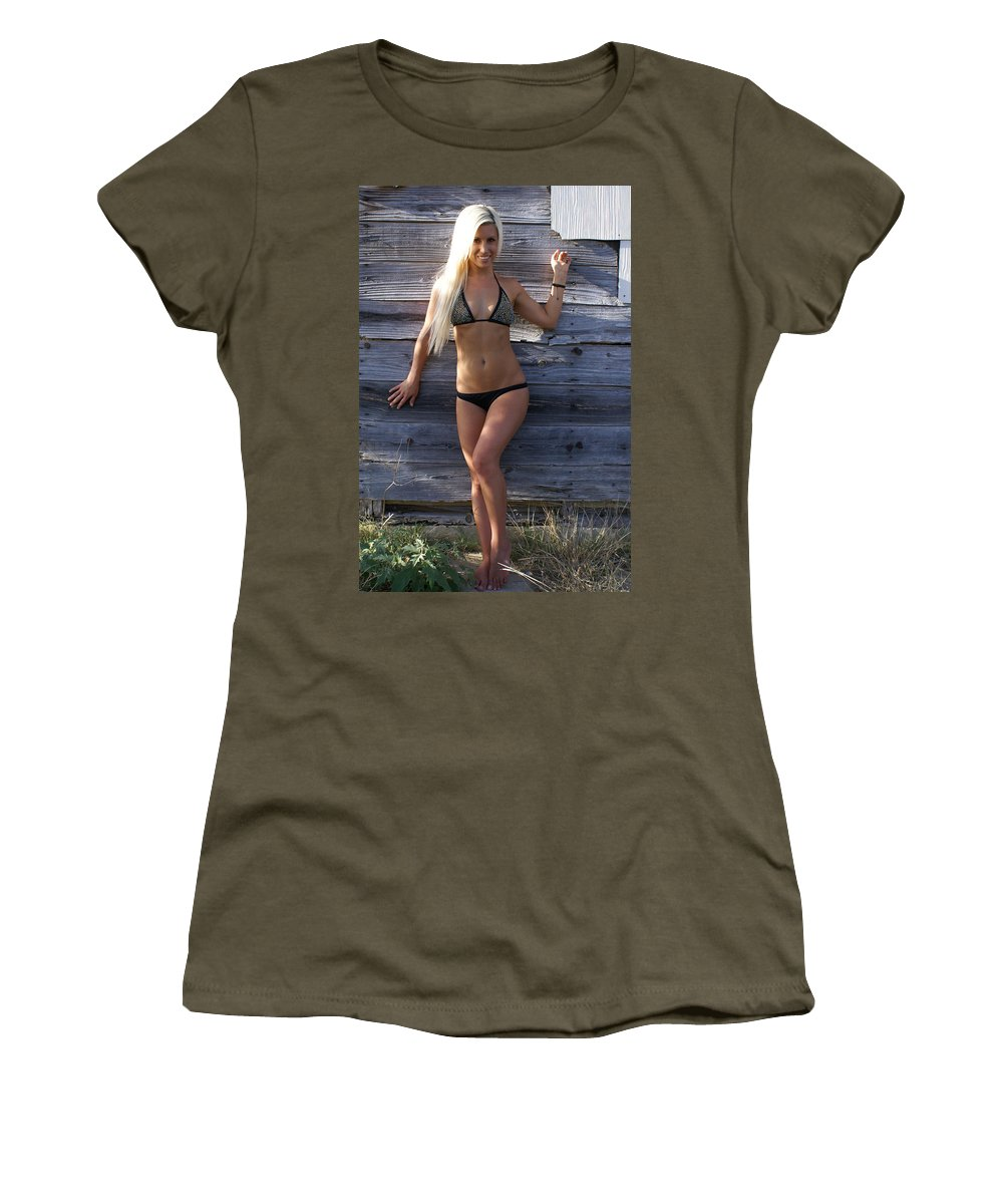 Hot Women's T-Shirt featuring the photograph Auriel Old Barn 1 by Big E tv Photography