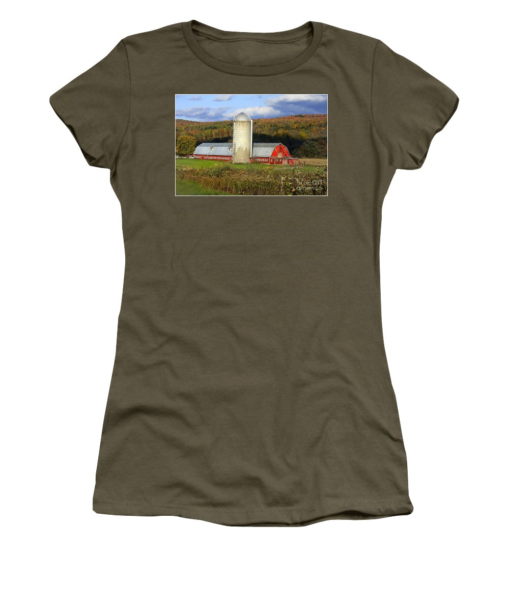 Landscape Women's T-Shirt featuring the photograph Barn On The River Rd. by Deborah Benoit