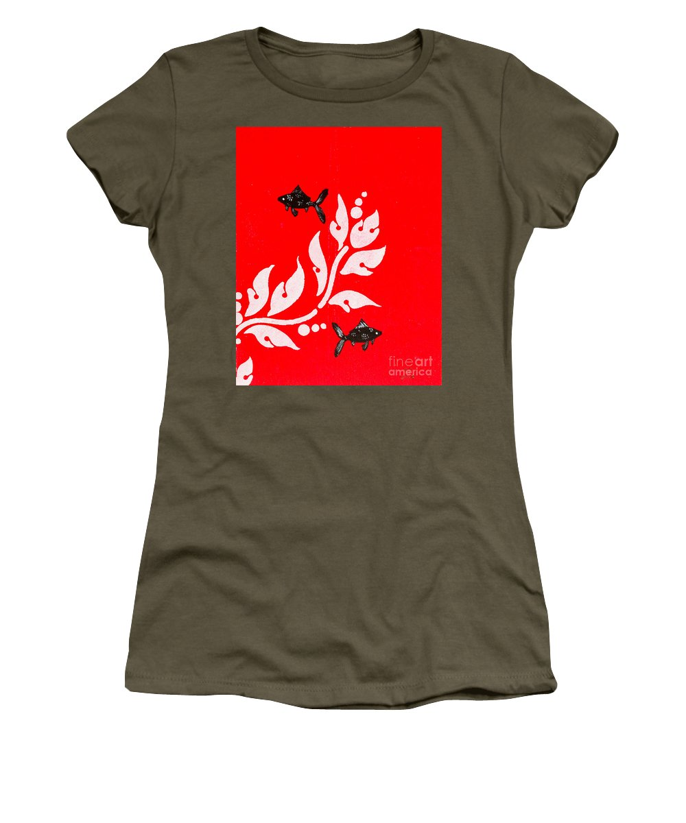 Women's T-Shirt featuring the painting Black Fish Left by Stefanie Forck