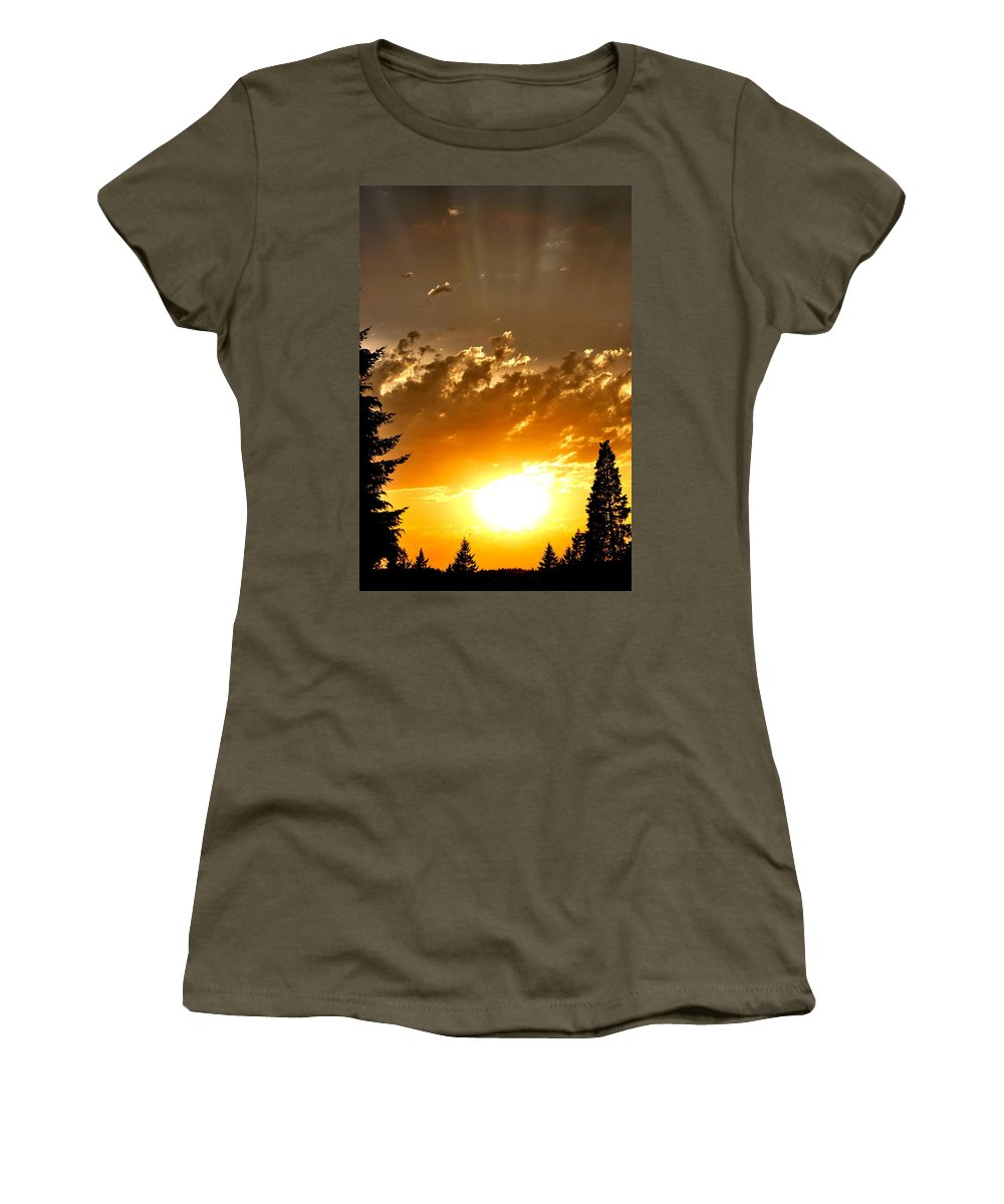 Sunset Women's T-Shirt featuring the photograph Brilliance by Kathy Sampson