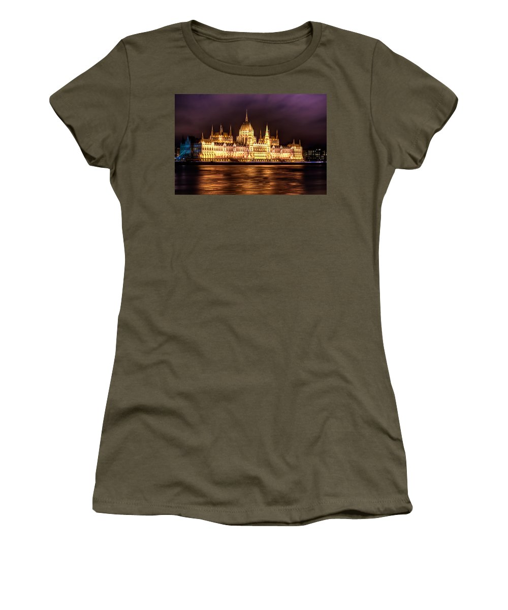 Travel; Landmark; Architecture; Hungary; Famous; Building; Scene; Budapest; City; Night; Hungarian; Cityscape; Capital; Monument; Europe; Danube;culture; Town; Urban; National; Palace; Buda; Dark; Sky; European; ; River; Bridge; Structure; International Women's T-Shirt featuring the digital art Buda Parliament by Nathan Wright