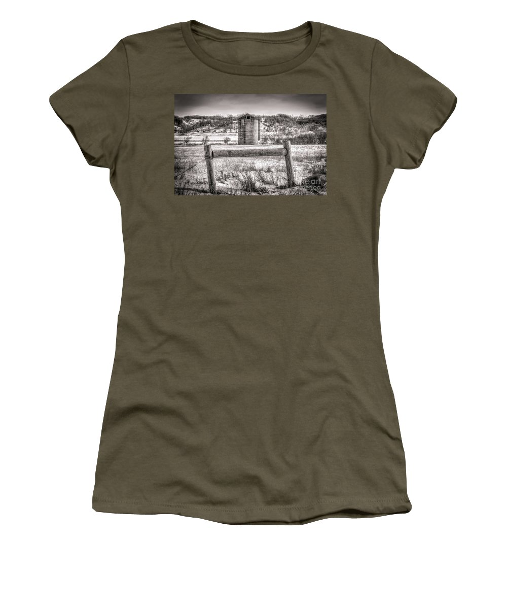 South Dakota Women's T-Shirt featuring the photograph Corner Posts And Silo by M Dale