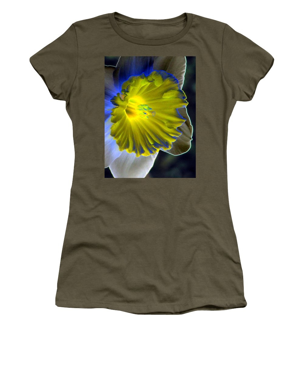 Daffodil Women's T-Shirt featuring the photograph Daffodil Dreams - Photopower 1907 by Pamela Critchlow
