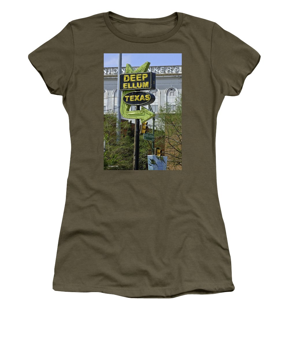 Street Scene Women's T-Shirt featuring the photograph Deep Ellum Texas by Allen Sheffield