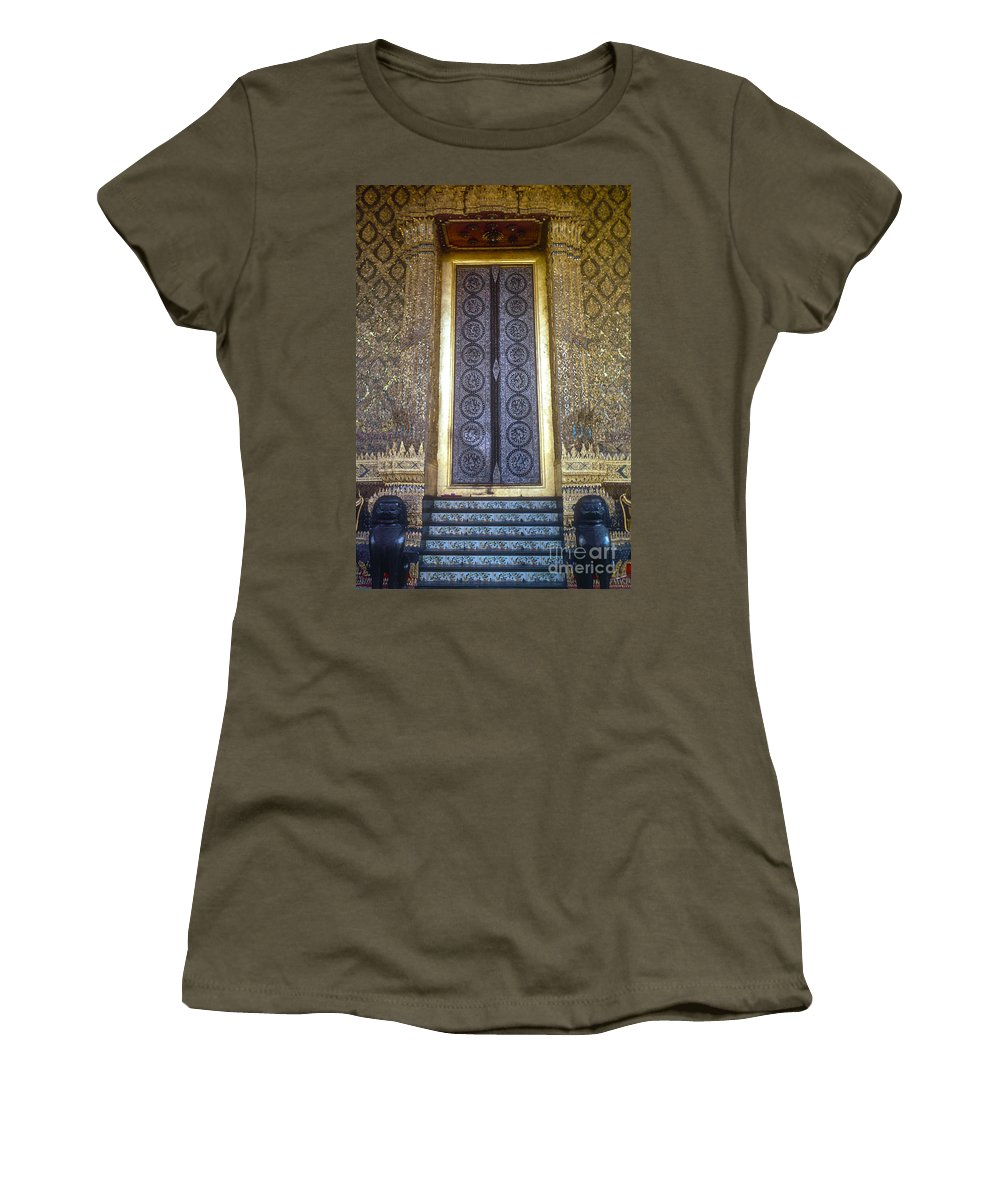 Temple Of The Emerald Buddha Imperial Palace Bangkok Thailand Structure Structures Palaces Building Buildings Architecture City Cities Cityscape Cityscapes Ornate Temples Landmark Landmarks Place Places Of Worship Women's T-Shirt featuring the photograph Emerald Buddha Temple Door by Bob Phillips