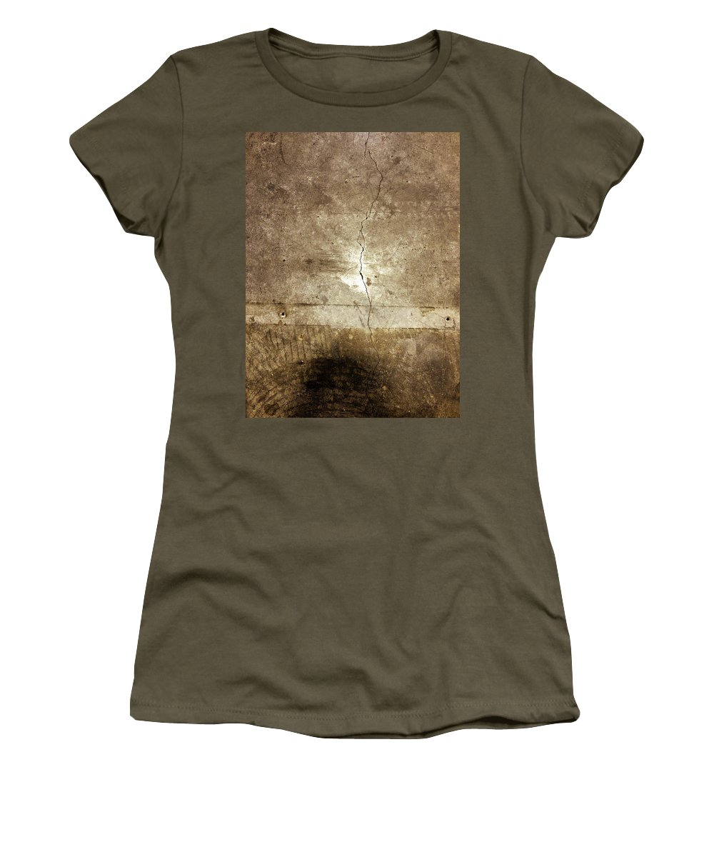 Crack Women's T-Shirt featuring the photograph Grunge Wall by Les Cunliffe