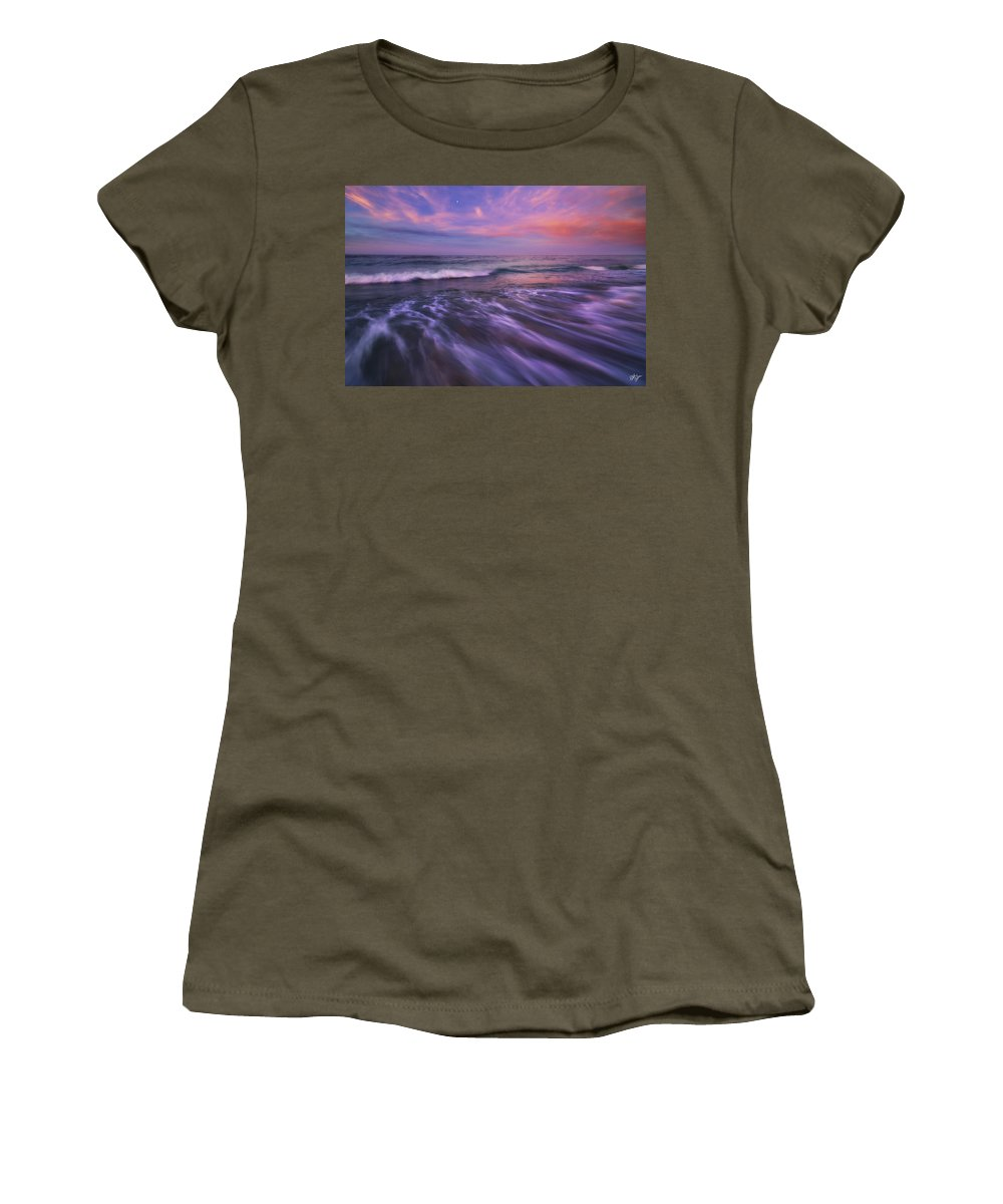 Mexico Women's T-Shirt featuring the photograph Homecoming by Peter Coskun