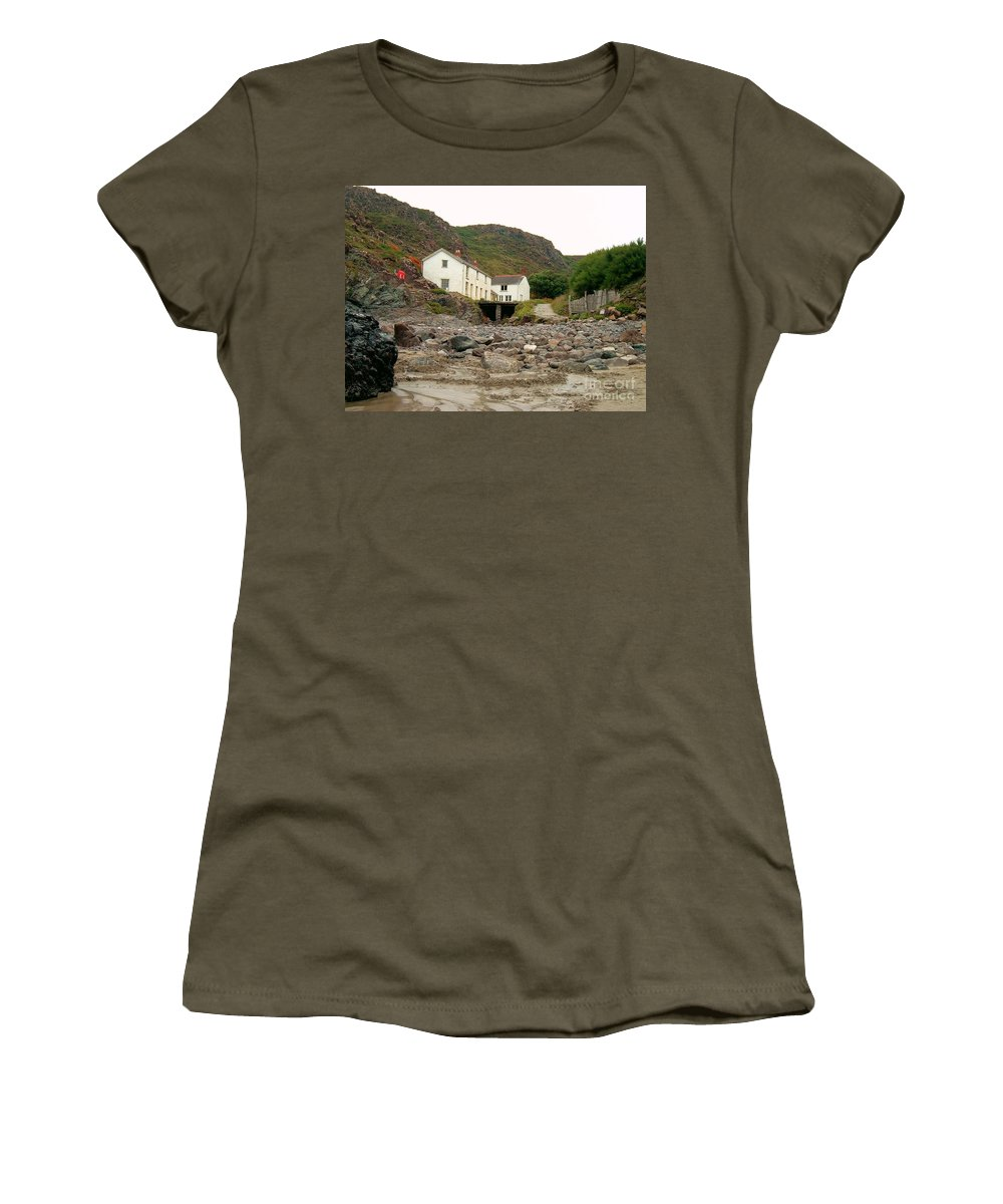 Houses Women's T-Shirt featuring the photograph Houses At Kynance Cove by Lisa Byrne