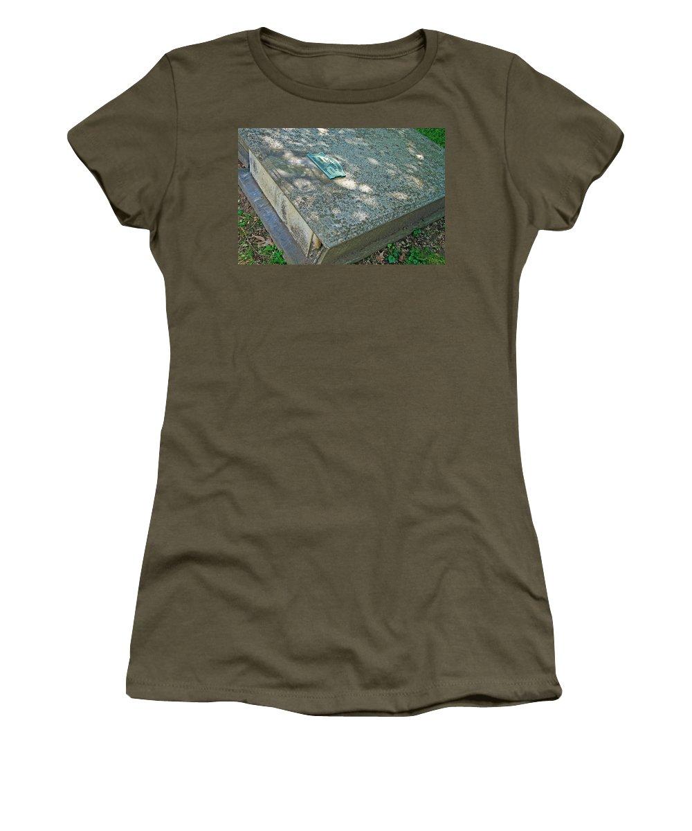 John Adlum Women's T-Shirt featuring the photograph John Adlum Revolutionary War Soldier by Cora Wandel