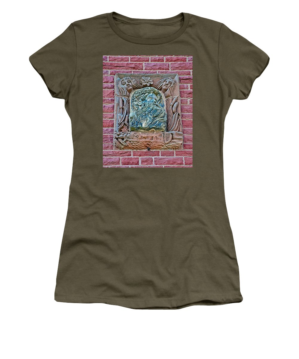 More Figures Of Moore Block In Pipestone Women's T-Shirt featuring the photograph More Figures On Moore Block In Pipestone-minnesota by Ruth Hager