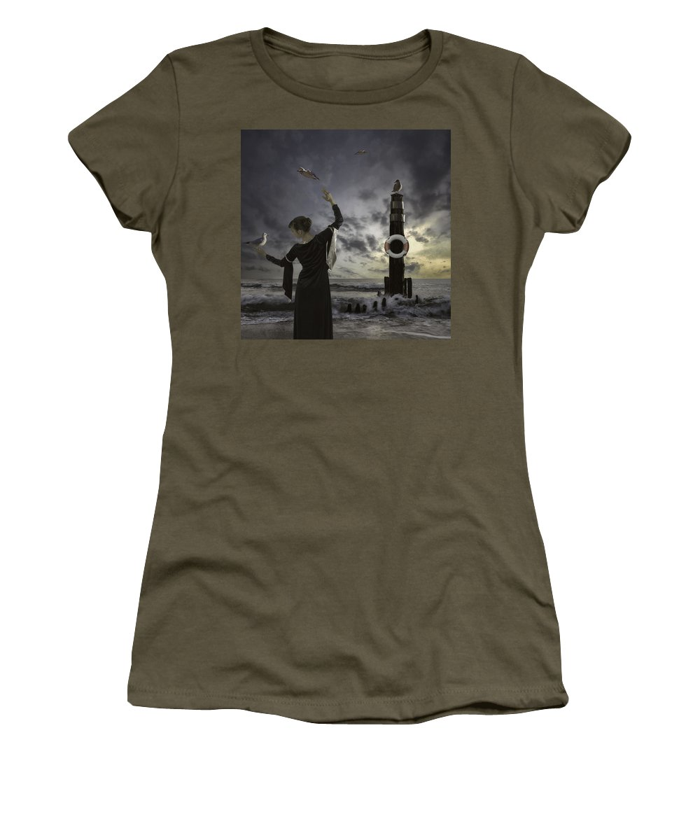 Woman Women's T-Shirt featuring the photograph Queen Of The Seagulls by Joana Kruse