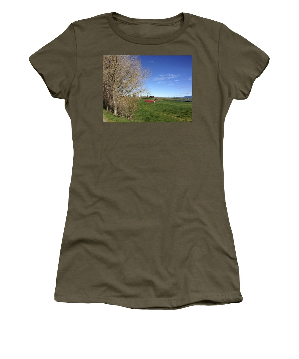 Blue Sky Women's T-Shirt (Athletic Fit) featuring the photograph Red Barn by Les Cunliffe