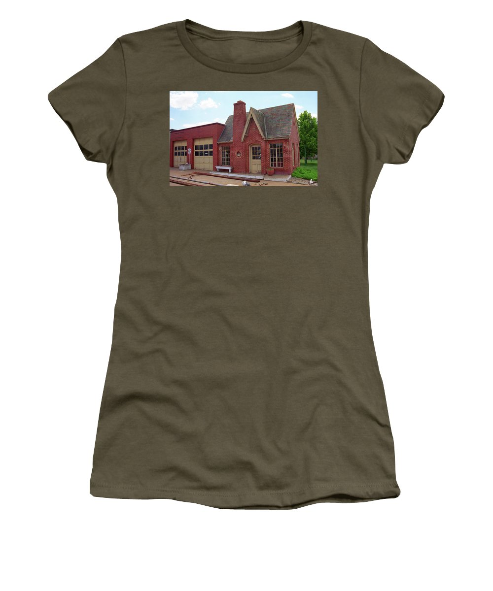 66 Women's T-Shirt featuring the photograph Route 66 - Cottage Style Gas Station by Frank Romeo