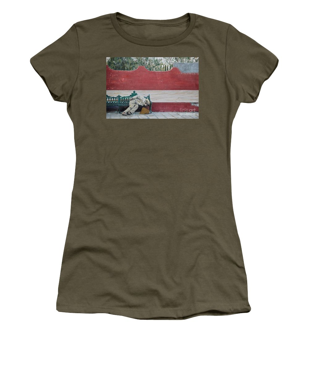 Siesta Women's T-Shirt featuring the photograph Siesta by Brian Boyle