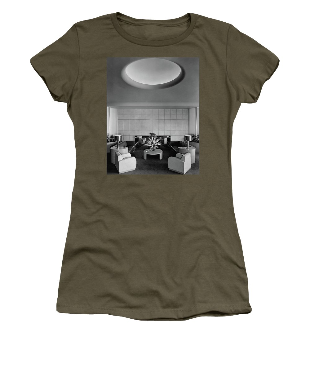 Interior Women's T-Shirt featuring the photograph The Executive Lounge At The Ford Exposition by Robert M. Damora