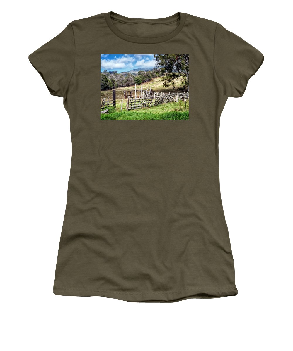 Hawaii Women's T-Shirt featuring the photograph Upcountry 2 by Dawn Eshelman