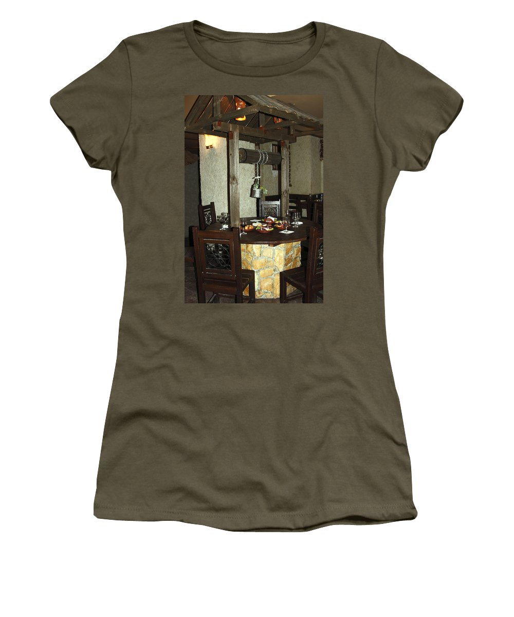 Restaurant Interior Women's T-Shirt featuring the photograph Water Well Table by Sally Weigand
