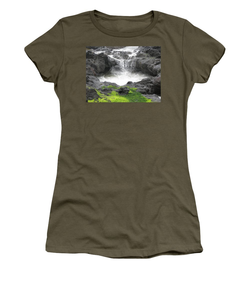 Yachats Women's T-Shirt featuring the photograph Blow Hole 2 by Linda Hutchins