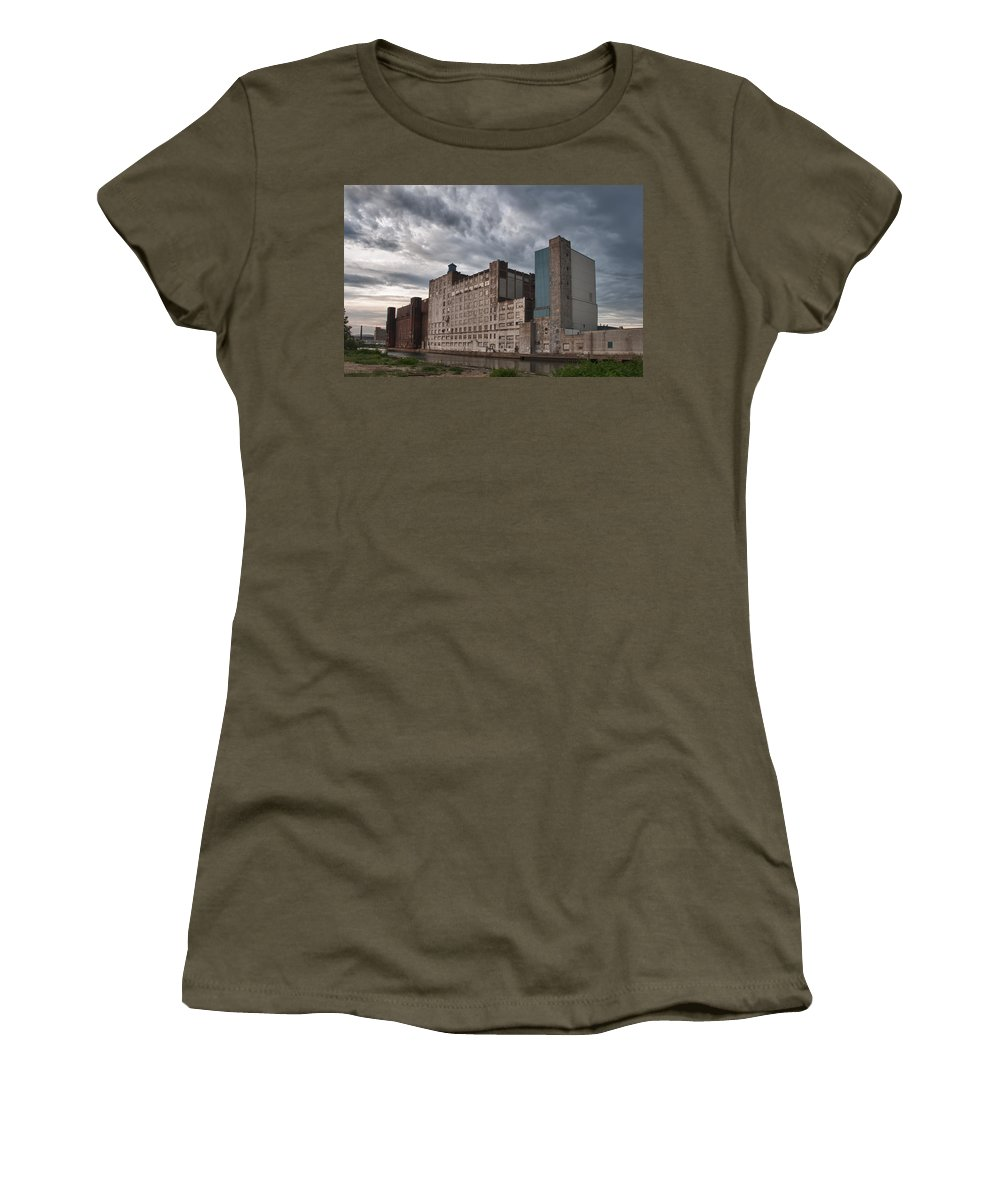 Buffalo Women's T-Shirt (Athletic Fit) featuring the photograph Buffalo Mills - The Backside by Guy Whiteley