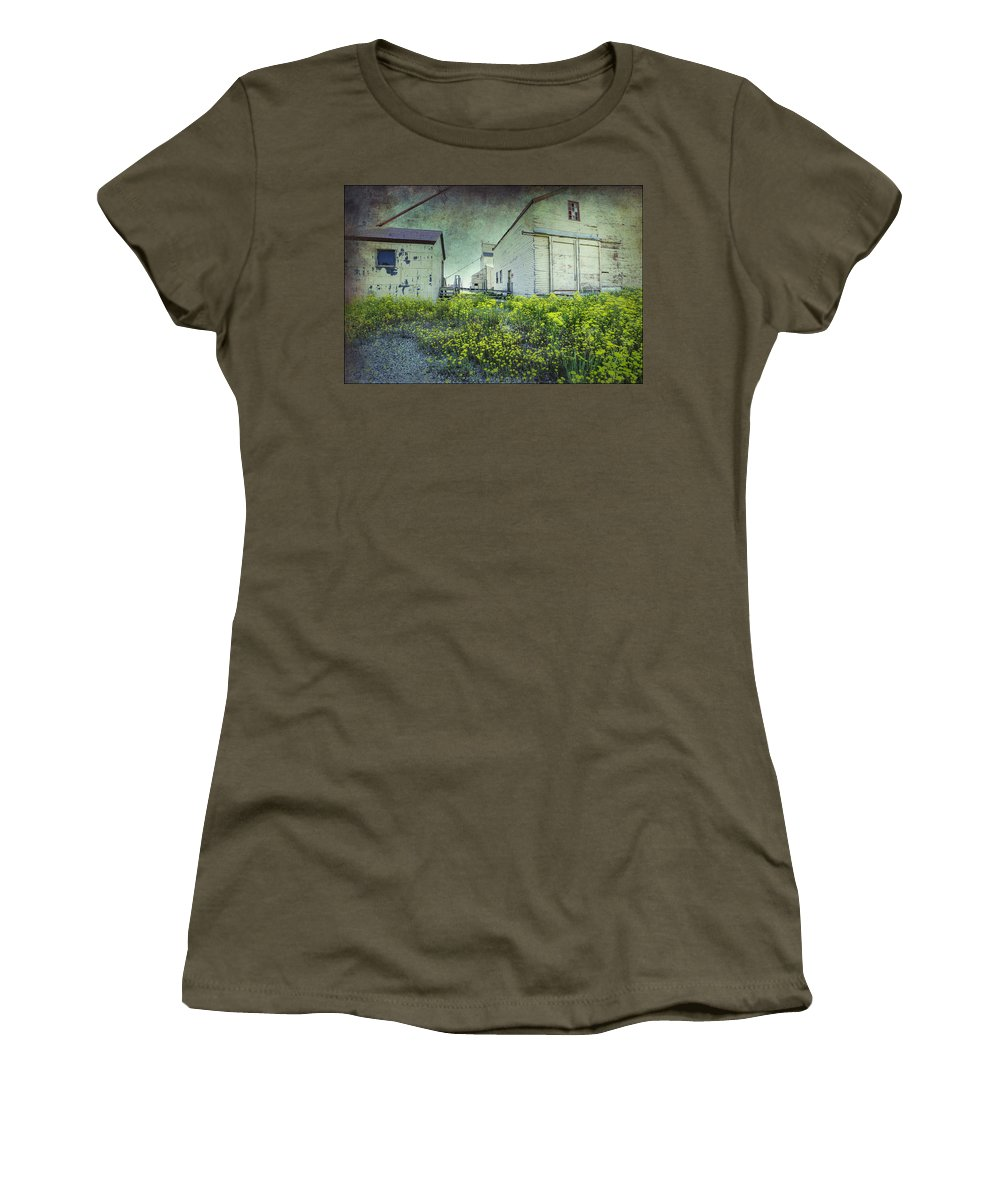Alberta Women's T-Shirt (Athletic Fit) featuring the digital art Last Standing by Diane Dugas