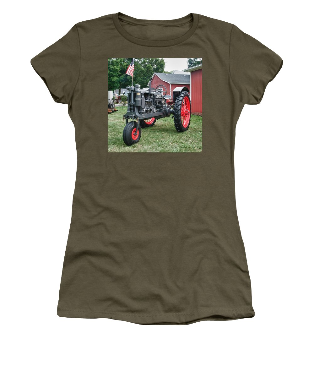Barn Women's T-Shirt (Athletic Fit) featuring the photograph Patriotic Farmall by Guy Whiteley
