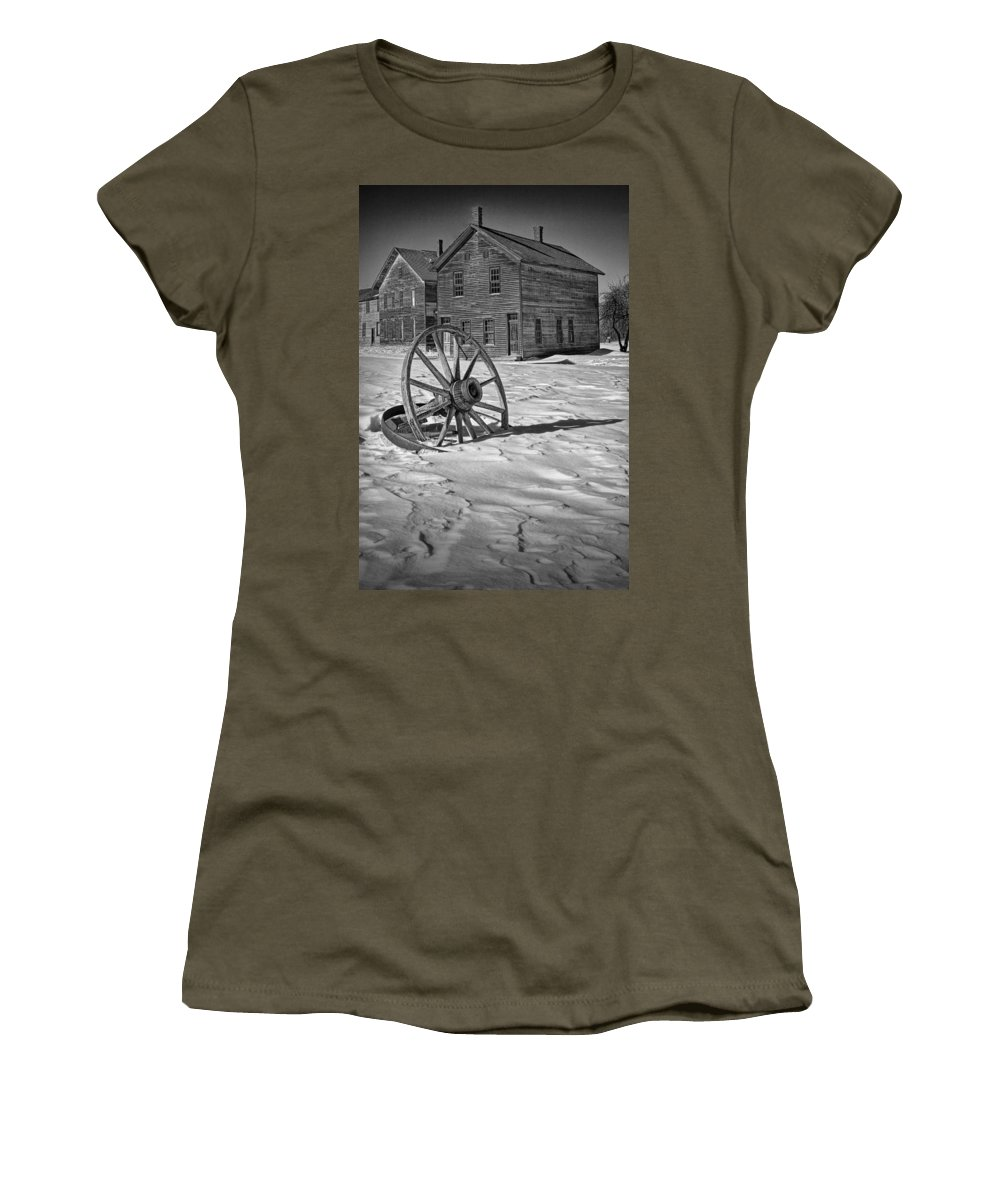 Wagon Wheel Women's T-Shirt featuring the photograph Wagon Wheel In Winter by Randall Nyhof