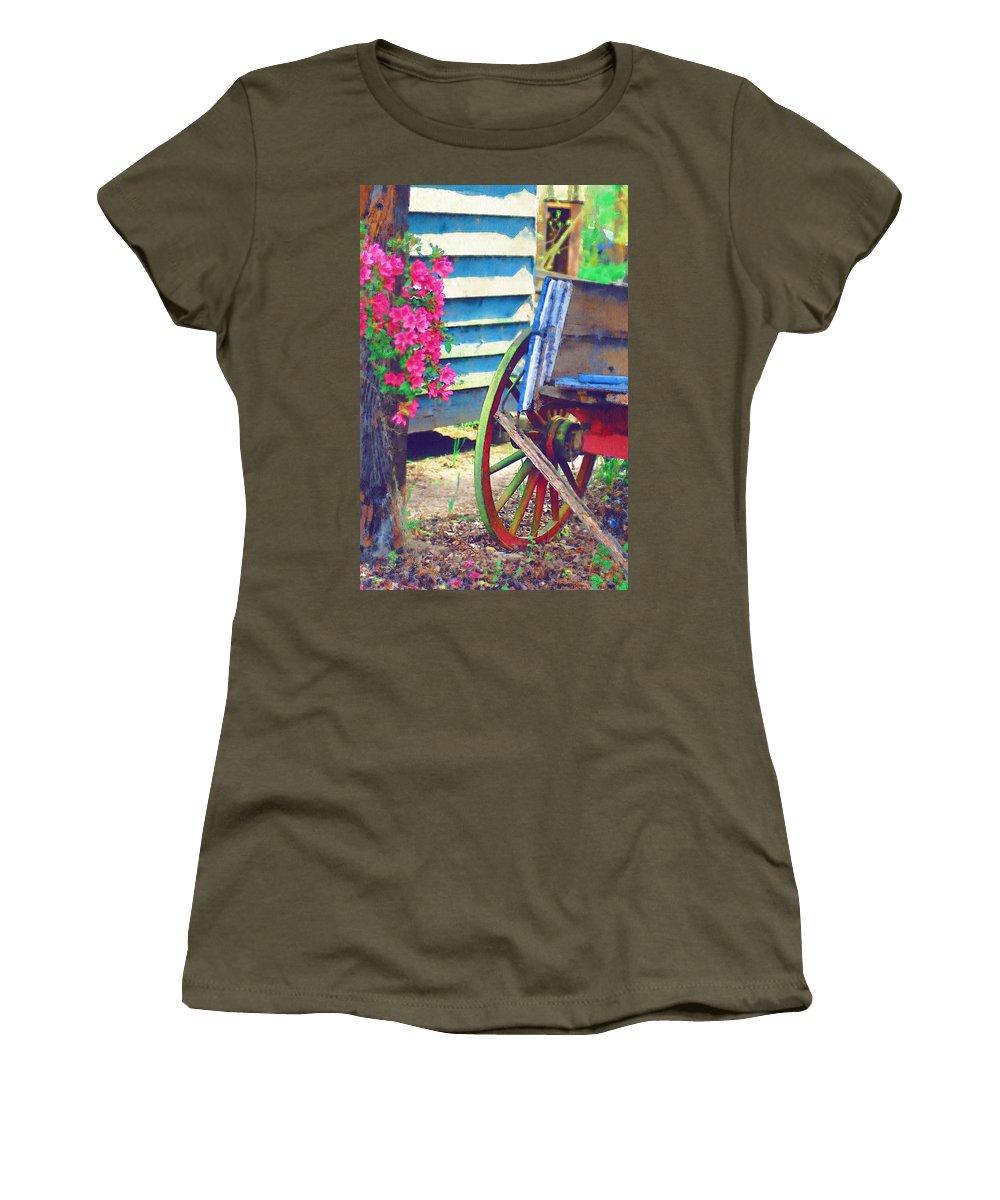 Wagon Wheel Women's T-Shirt featuring the photograph Broken Wagon by Donna Bentley