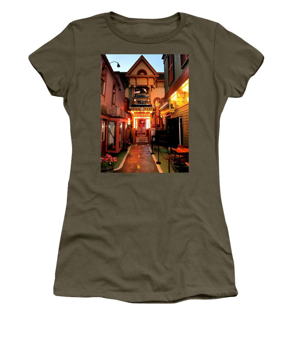 Dink�s Taxi Women's T-Shirt (Athletic Fit) featuring the photograph Dinks Taxi 1 by Mark Sellers