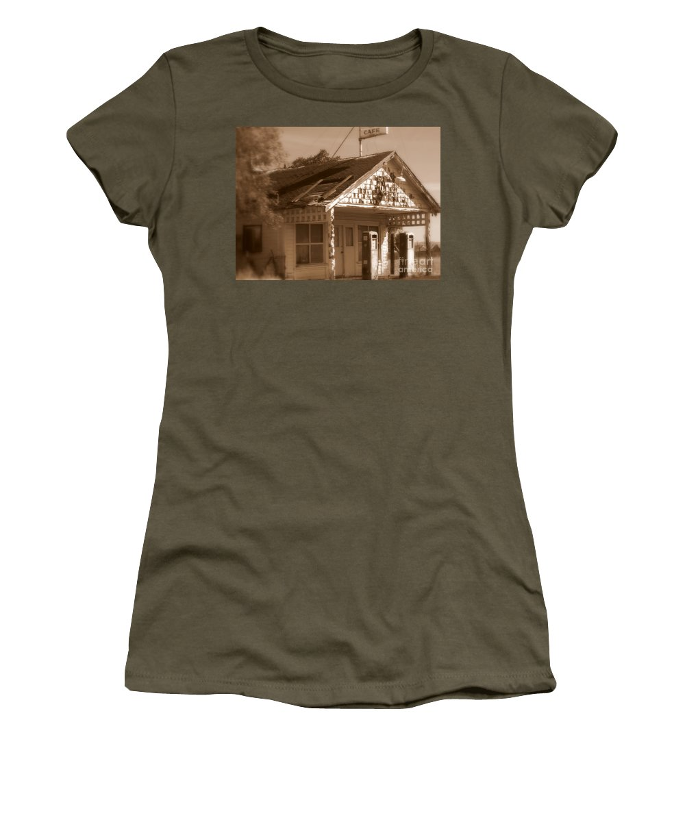 Old Building Women's T-Shirt featuring the photograph A Little Weathered Gas Station by Carol Groenen