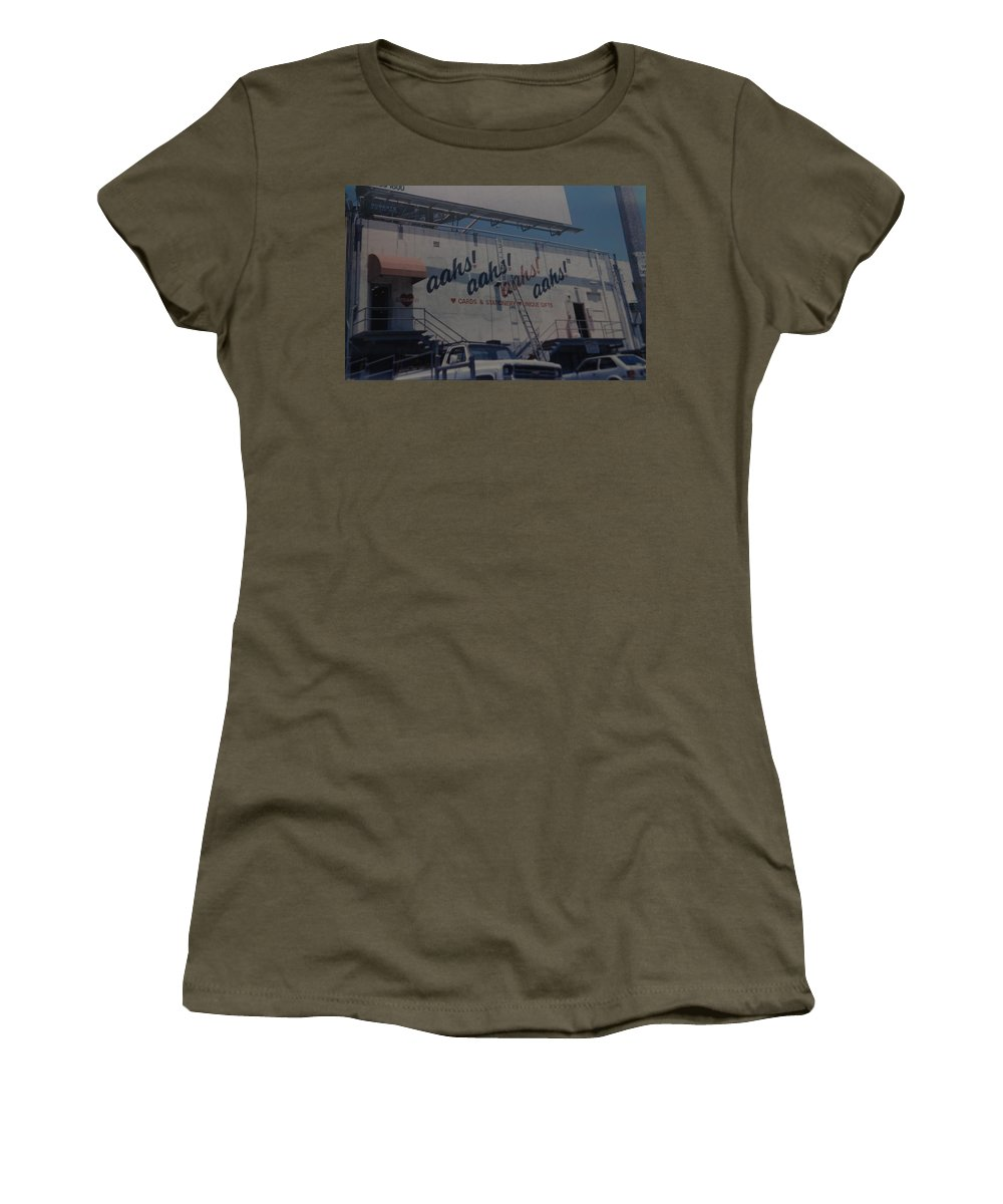 Architecture Women's T-Shirt featuring the photograph Aahs by Rob Hans