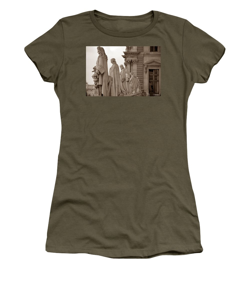 Paris Women's T-Shirt (Athletic Fit) featuring the photograph Art Observing Life by J Todd