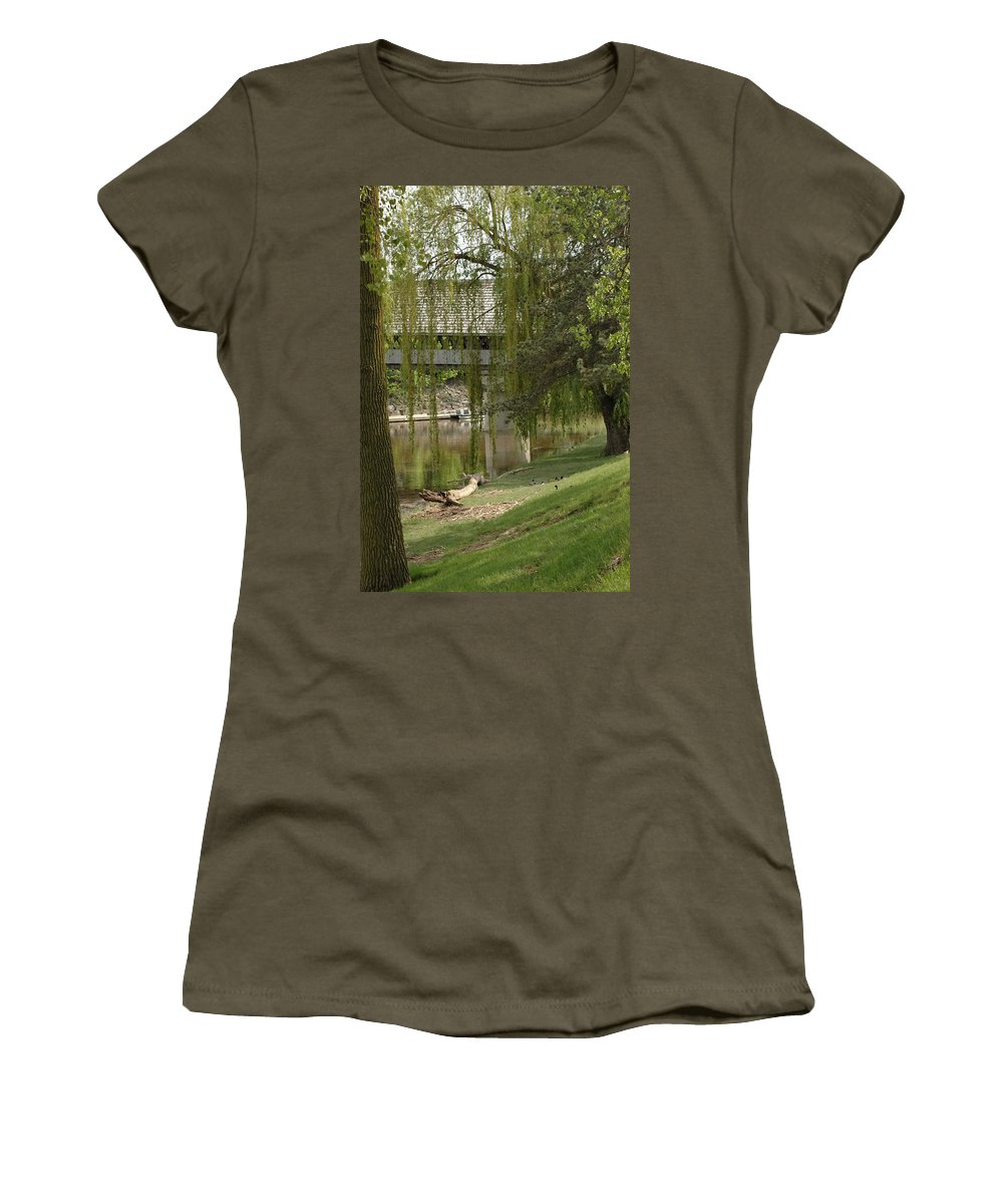 Usa Women's T-Shirt featuring the photograph Bavarian Covered Bridge Over The Cass River Frankenmuthmichigan by LeeAnn McLaneGoetz McLaneGoetzStudioLLCcom