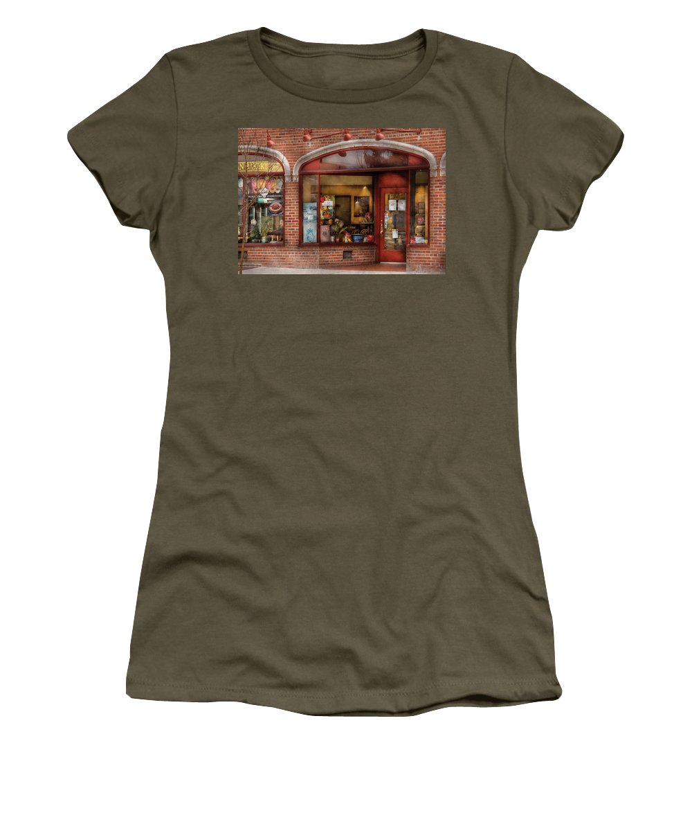 Cafe Women's T-Shirt featuring the photograph Cafe - Westfield Nj - Tutti Baci Cafe by Mike Savad